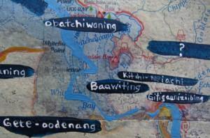 A Work in Progress (dettaglio) - Christi Belcourt, acrilico e parti di carte geografiche su tela